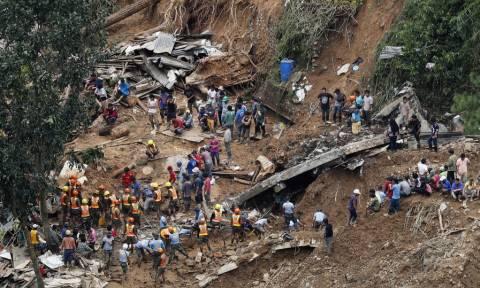 Φιλιππίνες: Δεκάδες νεκροί και αγνοούμενοι από τον υπερ-τυφώνα Μανγκούτ (pics+vids)