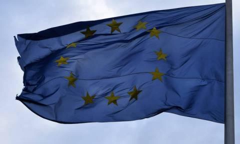 «Κόλαφος» Handelsblatt για τρόικα: «Έτσι έκανε πειραματόζωο την Ελλάδα»