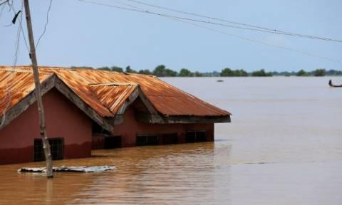Νιγηρία: Τουλάχιστον 100 νεκροί από τις πλημμύρες σε δέκα πολιτείες (pics)
