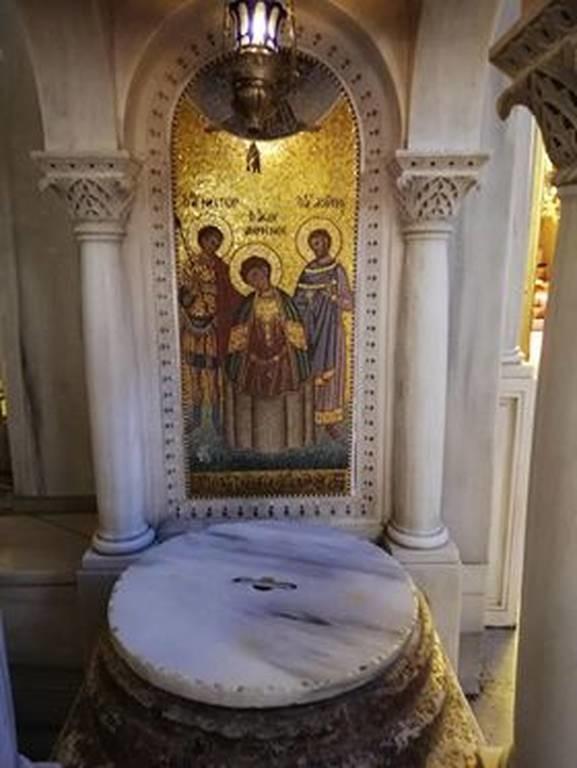 Άγιος Δημήτριος: Ο προστάτης της Θεσσαλονίκης - Γιατί λέγεται Μυροβλήτης (pics)