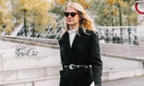 Black jeans: Stylish outfits για να φορέσεις το μαύρο τζιν παντελόνι