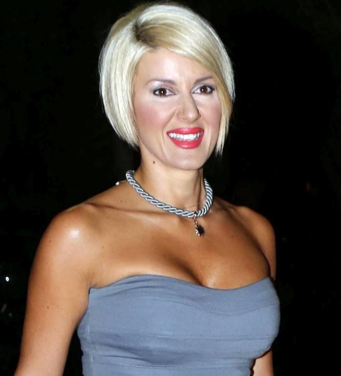 Τρόμος για Ελληνίδα παρουσιάστρια: «Τον είδα να αυτοϊκανοποιείται στην πόρτα μου!»