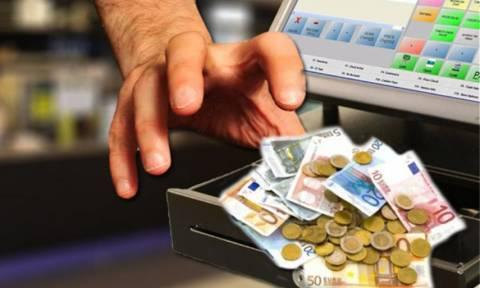 Ηράκλειο: Εργαζόμενος έβαζε χέρι στο ταμείο του μαγαζιού! Είχε αρπάξει 32.000 ευρώ