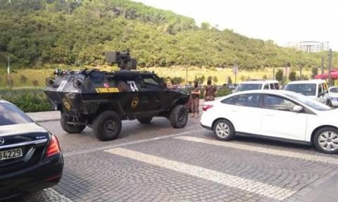 Πανικός στην Κωνσταντινούπολη: Ένοπλος κρατούσε επί ώρα όμηρο σε εμπορικό κέντρο