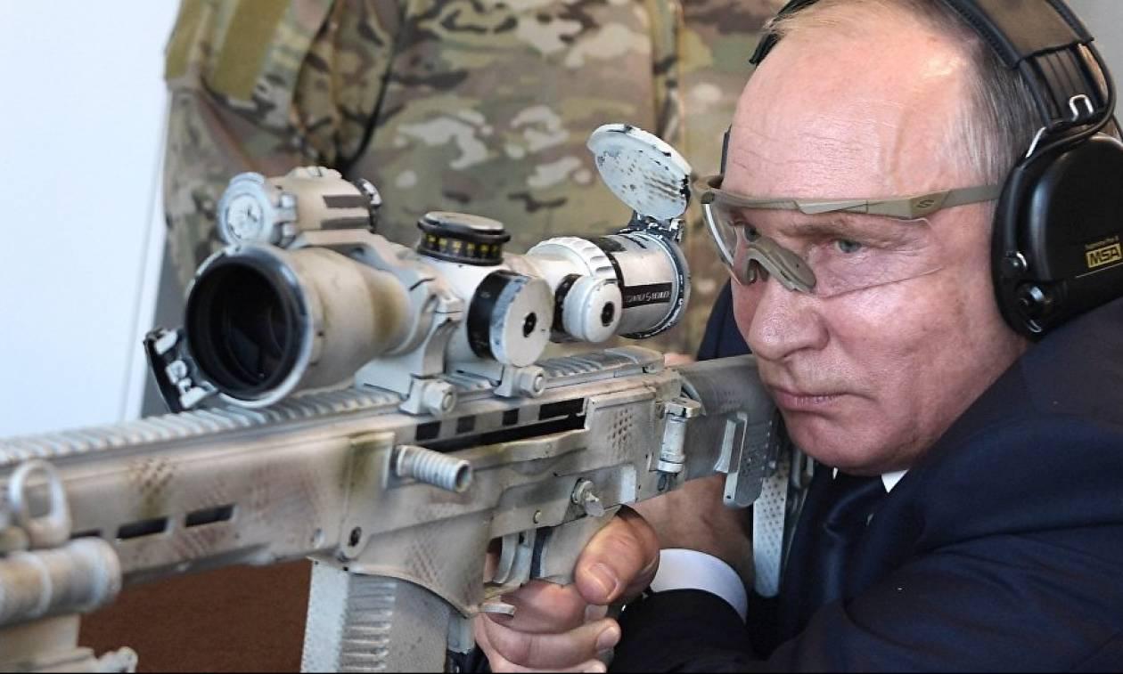 Ρωσία: Πούτιν ο σκοπευτής - Δοκίμασε το νέο Καλάσνικοφ (vid&pics)