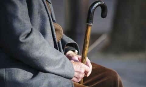 Ασφαλισμένοι: Πάνω από 460.000 είναι οι αιτήσεις συνταξιοδότησης που εκκρεμούν