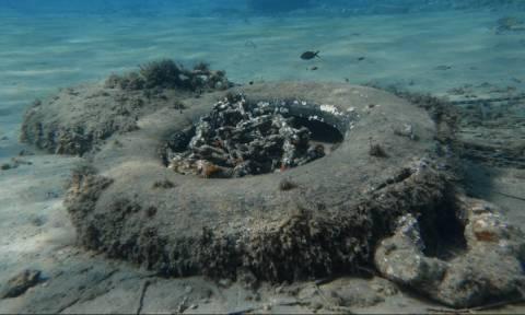 Σοκ: Δείτε τι βρήκαν στο βυθό τριών ελληνικών νησιών (pics)