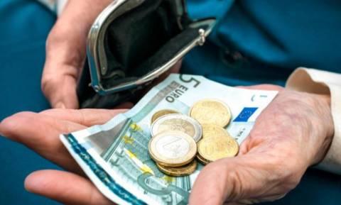 «Τρικλοποδιά» στις συντάξεις βάζουν οι δανειστές: Κανονικά θα γίνουν οι μειώσεις από 1/1/2019