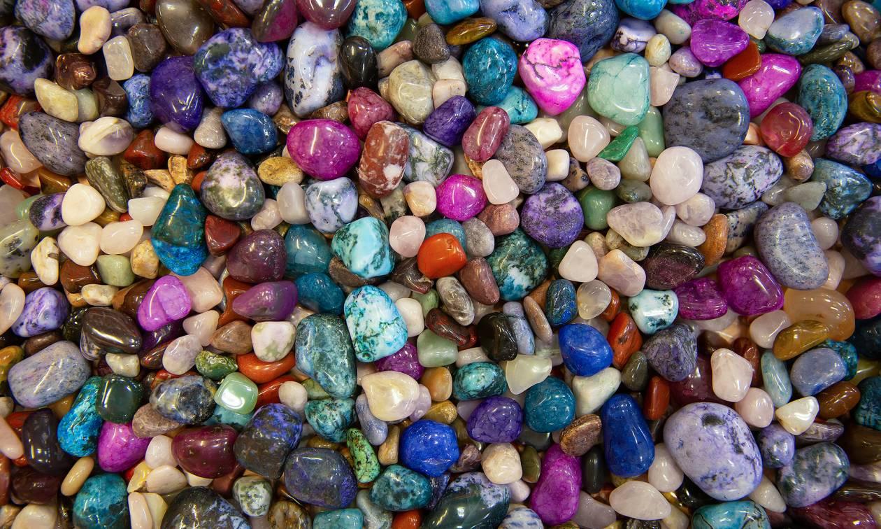 Φόρεσε στον λαιμό σου αυτήν την πέτρα και δες τη ζωή σου να αλλάζει