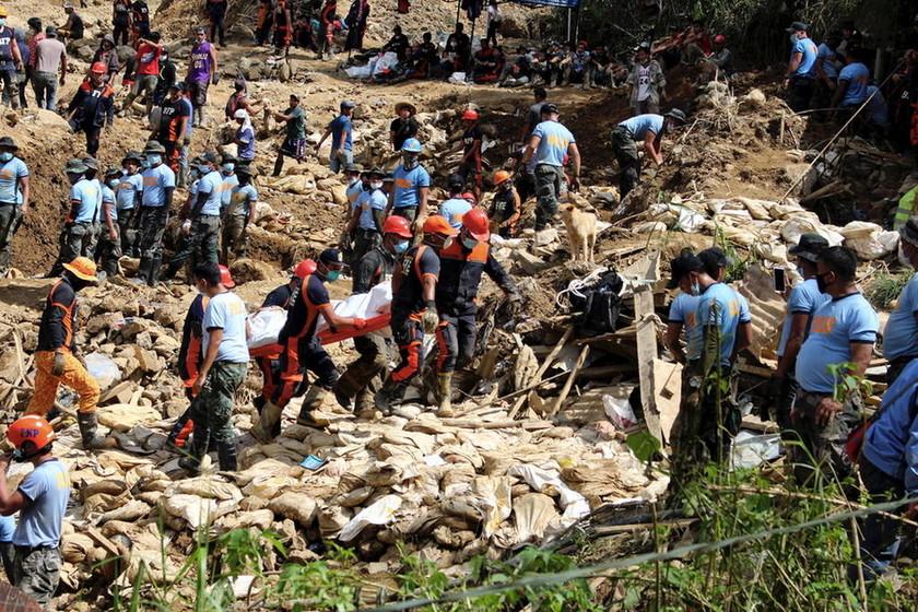 Νέα φονική κατολίσθηση στις Φιλιππίνες: Ψάχνουν για επιζώντες κάτω από τους τόνους λάσπης (pics+vid)