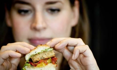 Σχολικά γεύματα σε 954 δημοτικά σχολεία για τη νέα σχολική χρονιά