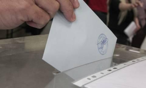Νέα δημοσκόπηση: Προβάδισμα για τη ΝΔ – Ποια κόμματα μένουν εκτός Βουλής