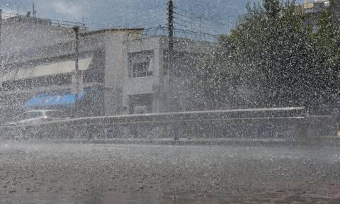 Καιρός: Καλοκαίρι τέλος! Έρχονται βροχές, κρύο και χιόνια στα ορεινά