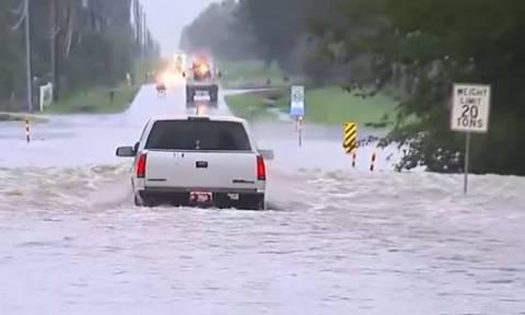 Σφοδρές πλημμύρες στην Οκλαχόμα - «Ποτάμια» οι δρόμοι (vid)