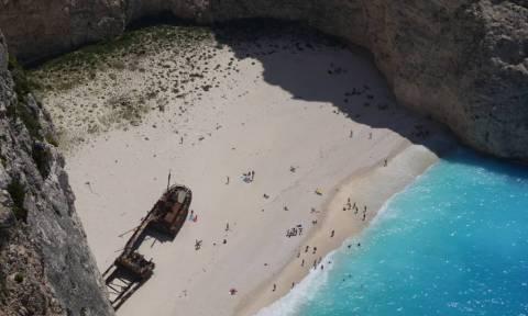 Ζάκυνθος: Άνοιξε και πάλι η παραλία του Ναυαγίου
