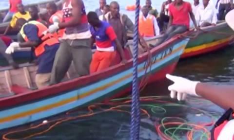 Τραγωδία στην Τανζανία: Αυξάνεται ραγδαία ο αριθμός των νεκρών του ναυαγίου (Pics+Vid)
