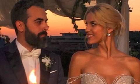Μαντώ Γαστεράτου: Οι πρώτες φωτογραφίες του παραμυθένιου γάμου της, την ώρα που δύει ο ήλιος!