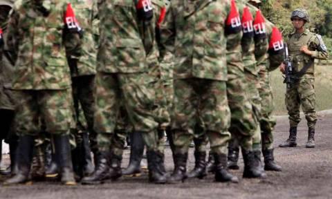 Κολομβία: Ο ELN απέρριψε τους όρους που θέτει ο Ντούκε για να συνεχιστούν οι διαπραγματεύσεις
