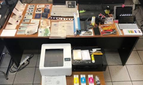 Εντοπίστηκε στα Πατήσια εργαστήριο πλαστών εγγράφων - Δύο συλλήψεις