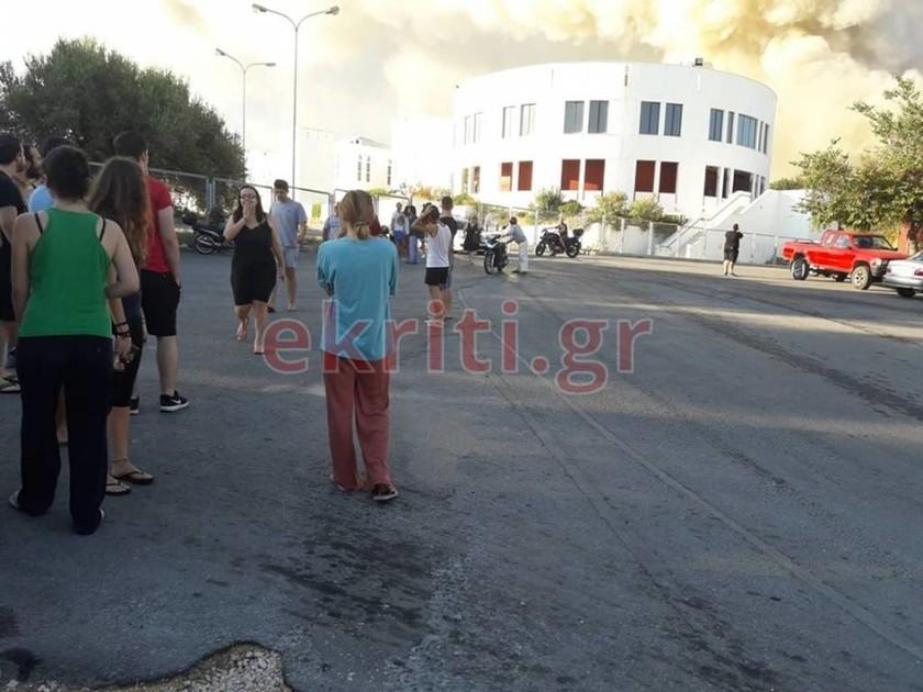 Πύρινη κόλαση στο Πανεπιστήμιο Κρήτης - Μεγάλες καταστροφές στο κτήριο (vids+pics)