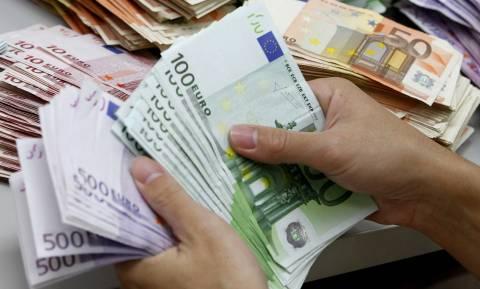 Ποιοι θα πάρουν «εξπρές» επιστροφές ΦΠΑ και φόρου εισοδήματος