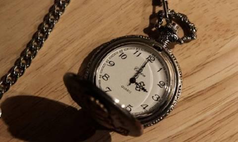 Αλλάζει η ώρα: Διαβάστε πότε και πώς γυρίζουμε τα ρολόγια μας;