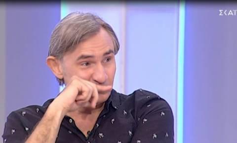 Η συγκλονιστική εξομολόγηση του Άκη Σακελλαρίου: «Βγήκα στη σκηνή με τον γιατρό αγκαλιά»