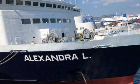 Ζάκυνθος: Συναγερμός στο λιμάνι με την προσάραξη πλοίου