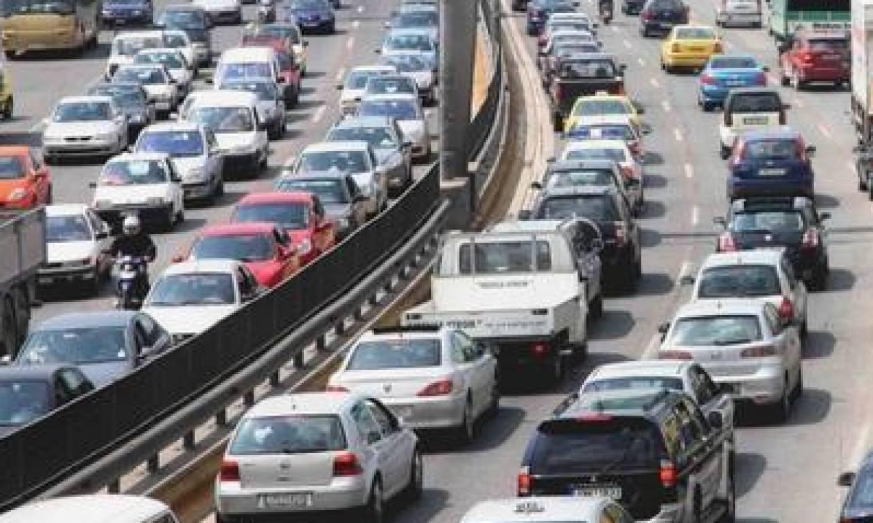 Κυκλοφοριακό χάος στην Αθηνών - Λαμίας: Μποτιλιάρισμα χιλιομέτρων στην άνοδο
