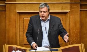 Βερναρδάκης: Φασιστικές συμμορίες πίσω από τις επιθέσεις σε Κωστόπουλο και Κωνσταντινέα