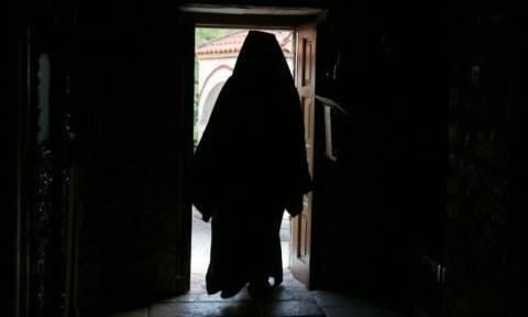 ΣτΕ: Οι «ευτραφείς» ιερείς μπορούν να κατατάσσονται στις Ένοπλες Δυνάμεις