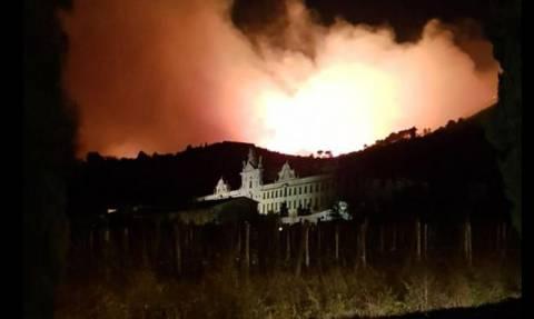 Φωτιά: Πύρινη κόλαση στην Τοσκάνη – Τεράστια επιχείρηση εκκένωσης (Pics)