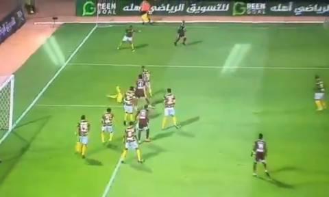 Σταματήστε ό,τι κάνετε και δείτε την πιο γελοία επίθεση στην ιστορία του Ποδοσφαίρου! (vid)