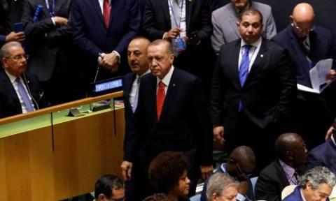 Κακός χαμός στον ΟΗΕ: Ο Ερντογάν σηκώνεται και αποχωρεί επιδεικτικά την ώρα που μιλά ο Τραμπ (vid)
