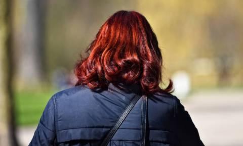 Σάλος στην Κύπρο: Άνδρας επιτίθεται σε γυναίκες και... κόβει τα μαλλιά τους!