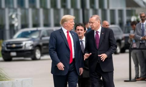 Ερντογάν προς Τραμπ: «Νίπτω τας χείρας μου» για τον φυλακισμένο Αμερικανό πάστορα