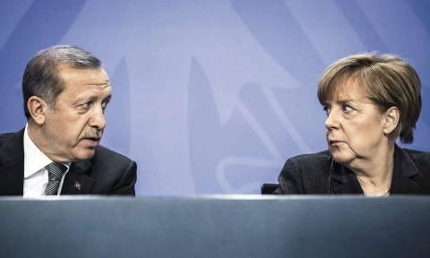 Υποκρισία Ερντογάν: «Φίλοι» ξαφνικά οι Γερμανοί τους οποίους ένα χρόνο πριν αποκαλούσε «φασίστες»