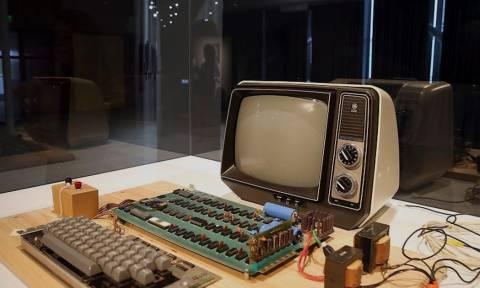 Δε θα πιστεύετε πόσο πωλήθηκε ένας υπολογιστής Apple-1 του 1976 που δουλεύει ακόμη!