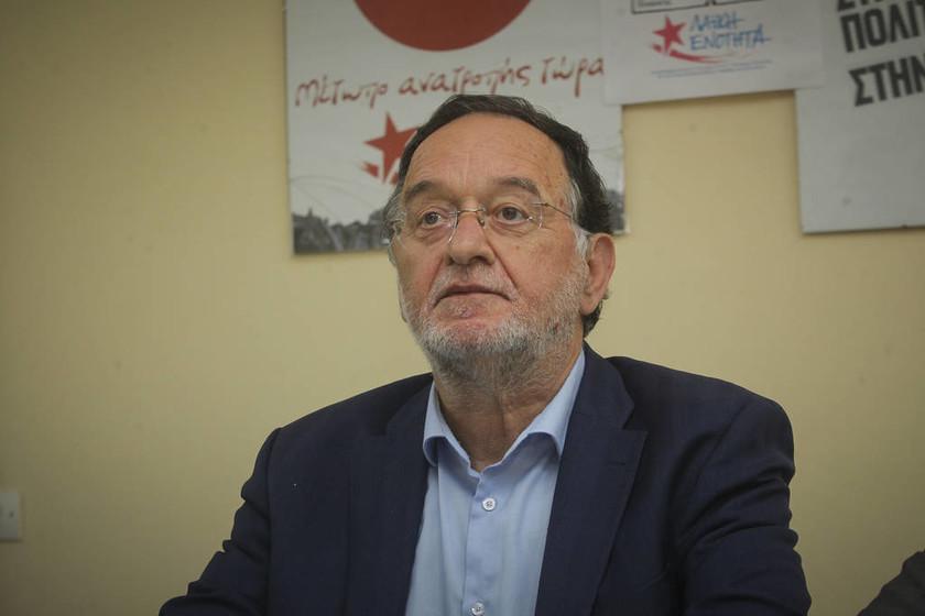 Οργή Μίκη κατά Τσίπρα για τον Λαφαζάνη: Ώστε και Μανιαδάκης κύριε πρωθυπουργέ;