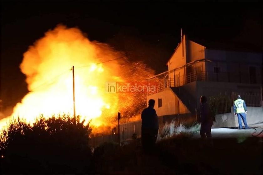 Συναγερμός στην Πυροσβεστική: Μεγάλη φωτιά στην Κεφαλονιά - Εκκενώνεται χωριό