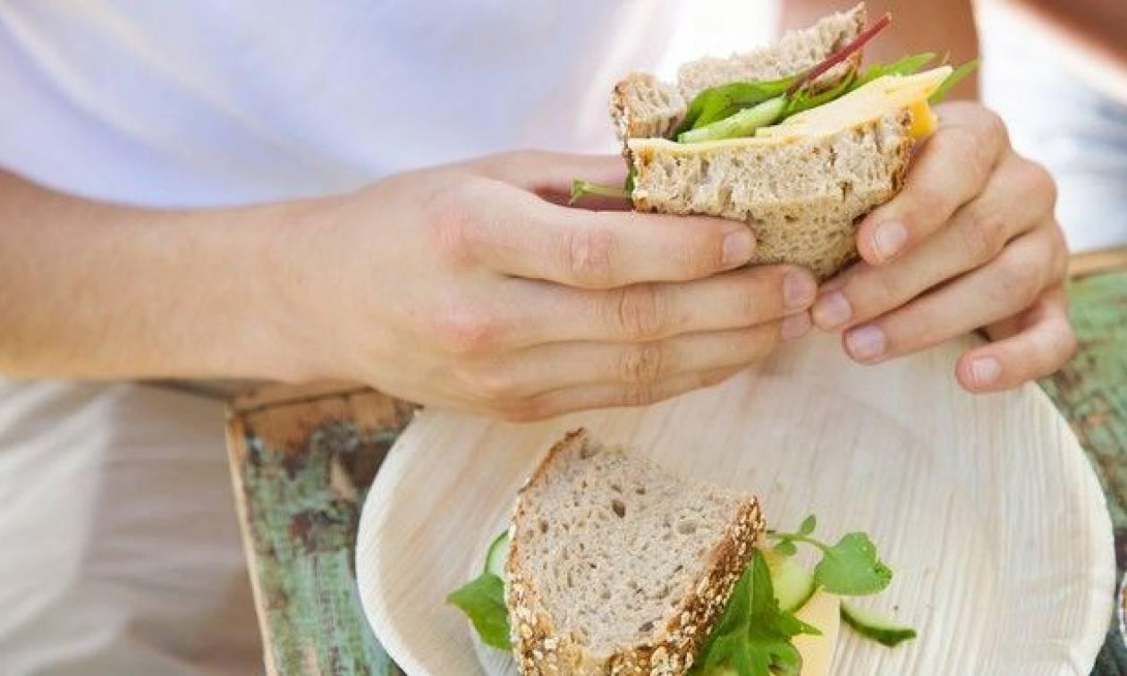 Σοκ στη Βρετανία: 15χρονη έφαγε σάντουιτς από γνωστή αλυσίδα και πέθανε