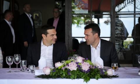 Handelsblatt για Σκοπιανό: «Το δημοψήφισμα θα κρίνει το μέλλον του Τσίπρα»