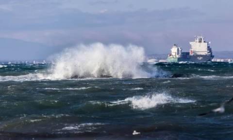 Κακοκαιρία «Ξενοφών»: Σε ισχύ το απαγορευτικό απόπλου - Δεμένα τα πλοία στα λιμάνια