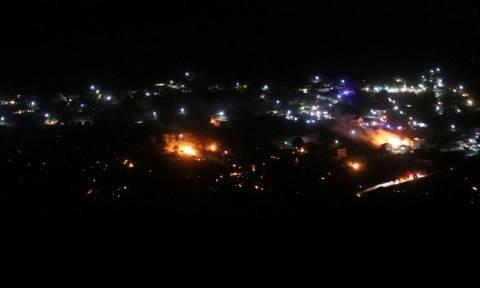 Φωτιά ΤΩΡΑ στην Κεφαλονιά: Μέσα στο χωριό οι φλόγες - Εκκενώθηκαν σπίτια στα Ζόλα (pics)