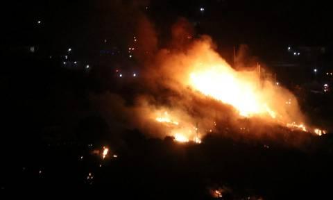 Φωτιά τώρα: Ολονύχτια μάχη με τις φλόγες σε αρκετές περιοχές της Ελλάδας