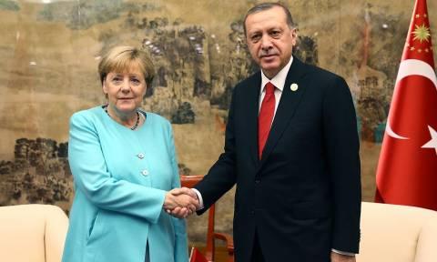 Μπρος γκρεμός και πίσω… ΔΝΤ: O Ερντογάν «παίζει τα ρέστα του» στη Γερμανία