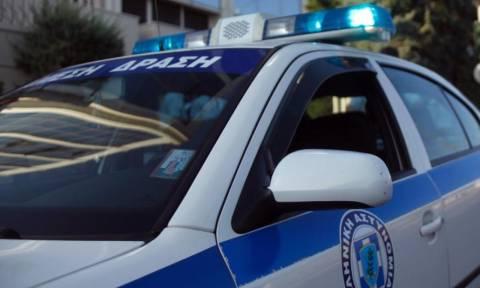 Θρίλερ με νεκρό στην Καλλιθέα: Βρέθηκε με δέκα μαχαιριές