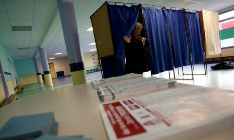 Πρόωρες εκλογές: Ψάχνουν κάλπες και παραβάν μέχρι 19 Οκτωβρίου