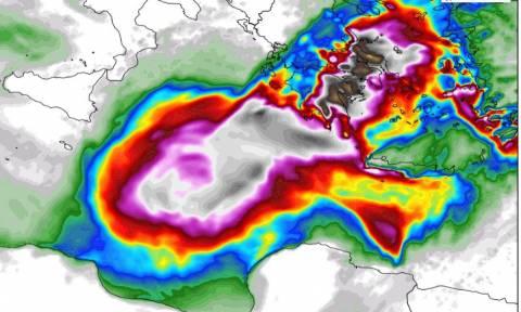 Κυκλώνας Ζορμπάς: Πιθανότητα να «χτυπήσει» με εξαιρετικά μεγάλα ύψη βροχής και την Αττική (photos)