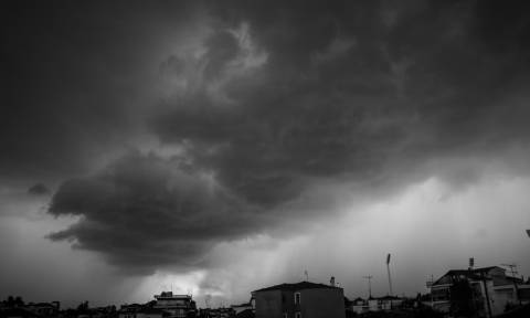 Κυκλώνας «Ζορμπάς»: Τι πρέπει να κάνουν οι πολίτες για να προστατευθούν από τα έντονα φαινόμενα